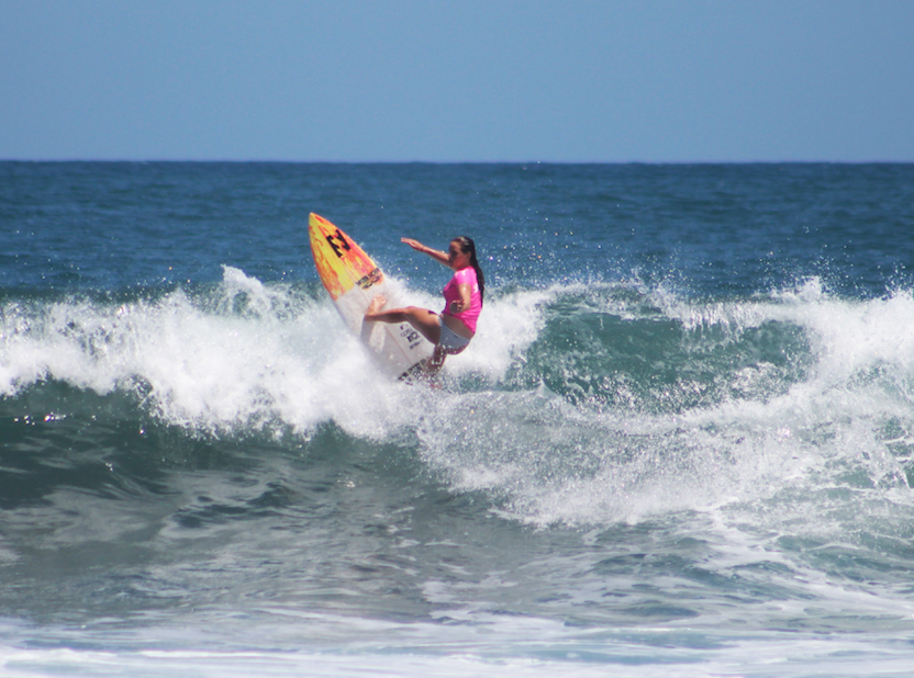 Lennox Head upstart Stephanie Single posted the highest wave score on opening day of the Copa El Salvador Impresionante presented by Body Glove. Image: WSL/Nichols